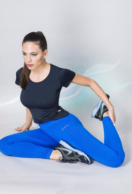 Calza leggins con costuras reforzadas en supplex con bordado aplique metalico